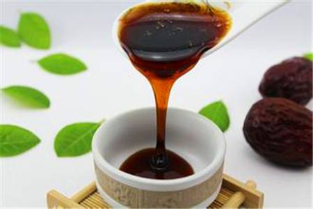 1587561449_molasses_dates.jpg